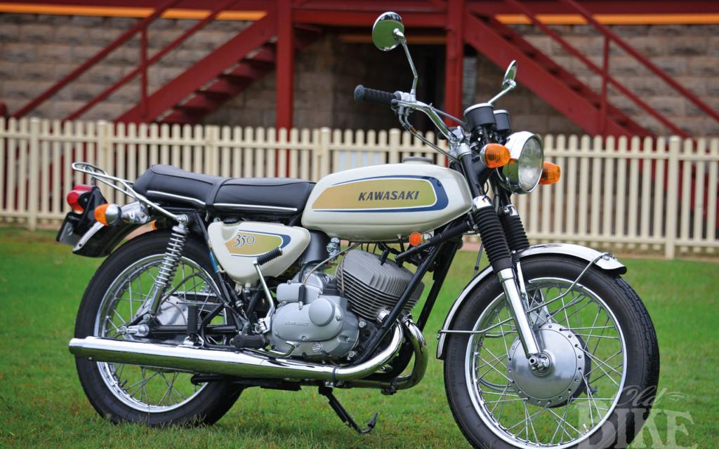 Kawasaki A7 Avenger: Short-lived twin